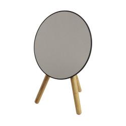 Jednostronne, okrągłe lusterko kosmetyczne na trzech drewnianych nóżkach.